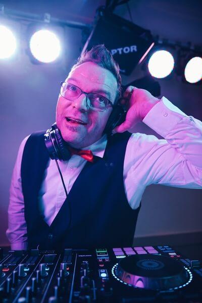 Dj Ecky jr. - Event DJ und Moderator aus Thüringen für Hochzeiten, Firmenfeiern, Familienfeiern, Events