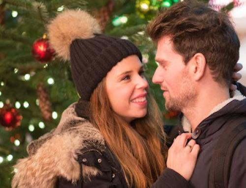 So machst du einen unvergesslichen Heiratsantrag zu Weihnachten